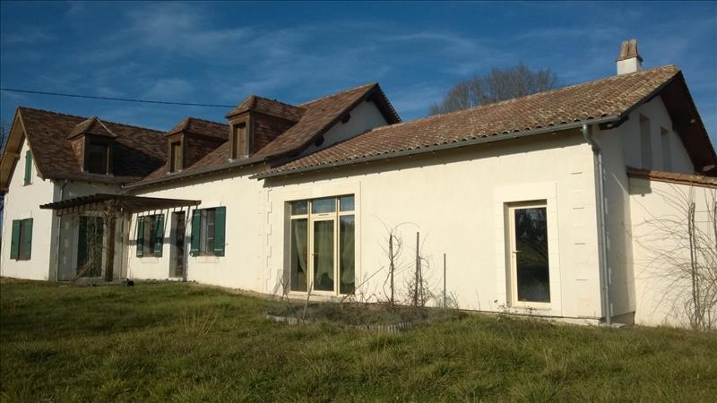 Maison ST SAUVEUR LALANDE - 6 pièces  -   164 m²