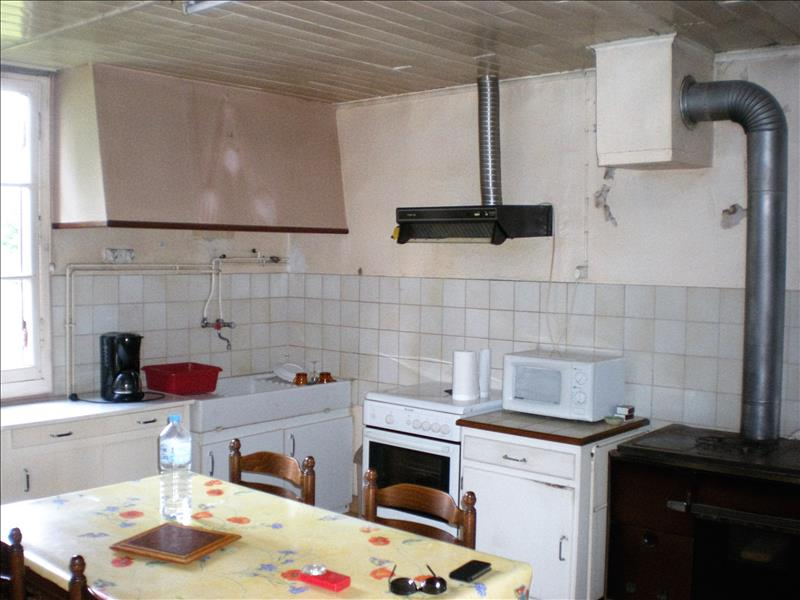 Maison CERCOUX - 5 pièces  -   117 m²