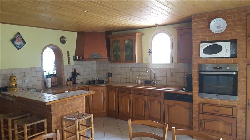 Maison LE PIZOU - 6 pièces  -   160 m²