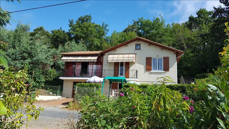 Maison LE PIZOU - 5 pièces  -   115 m²