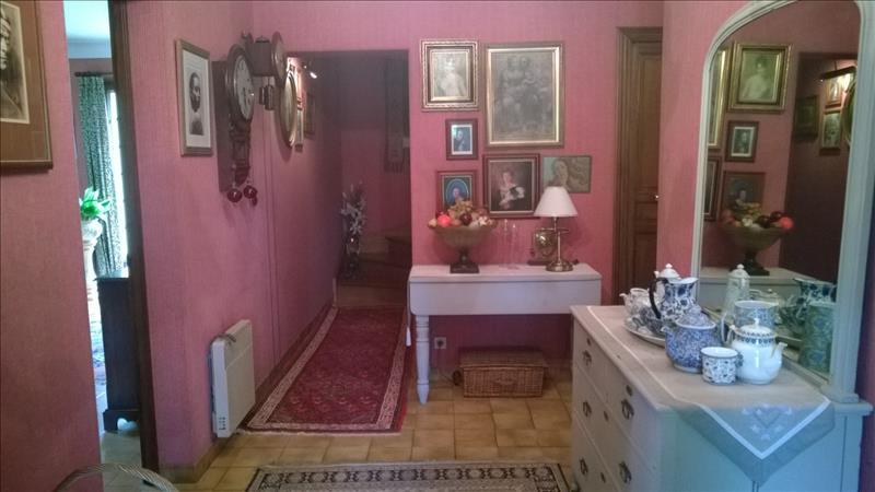 Maison MONTPON MENESTEROL - 6 pièces  -   145 m²