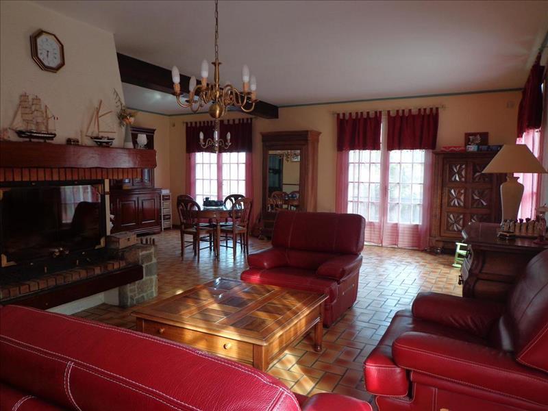 Vente Maison LA ROCHE CHALAIS (24490) - 9 pièces - 230 m² -