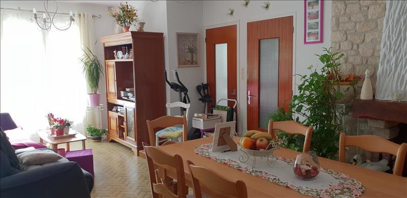 Vente Maison MENESPLET (24700) - 4 pièces - 100 m² -