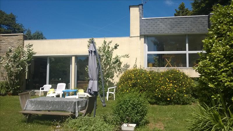 Maison LOPERHET - 8 pièces  -   231 m²
