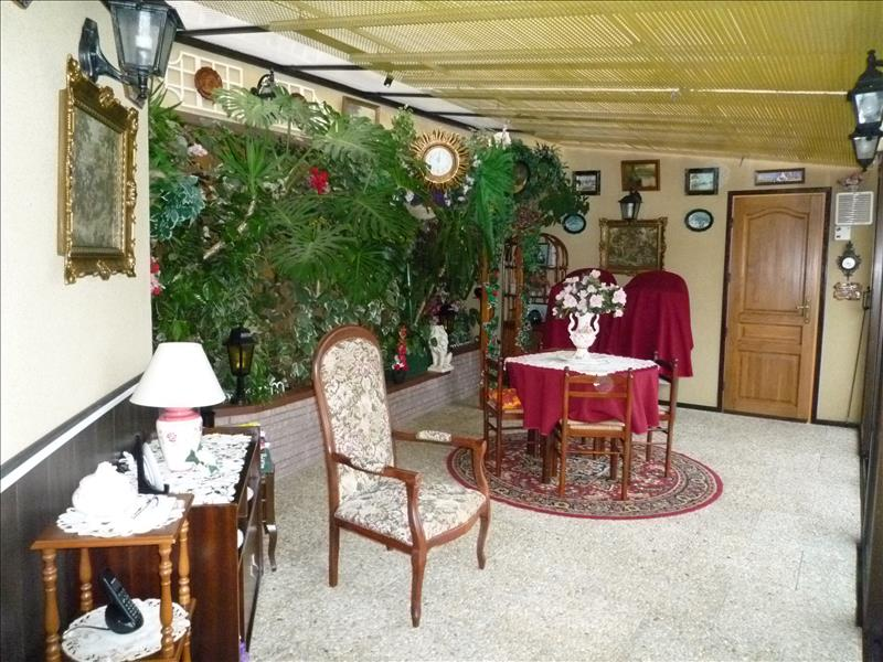 Maison ROSNOEN - 4 pièces  -   140 m²
