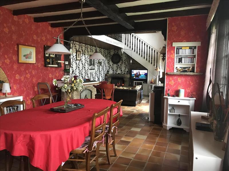 Vente Maison PLOUMOGUER (29810) - 6 pièces - 130 m² -