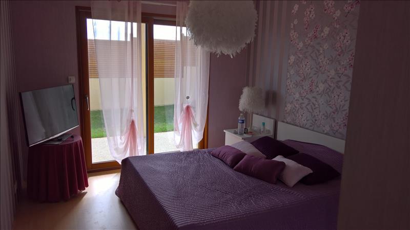 Maison PLOUGONVELIN - 7 pièces  -   191 m²