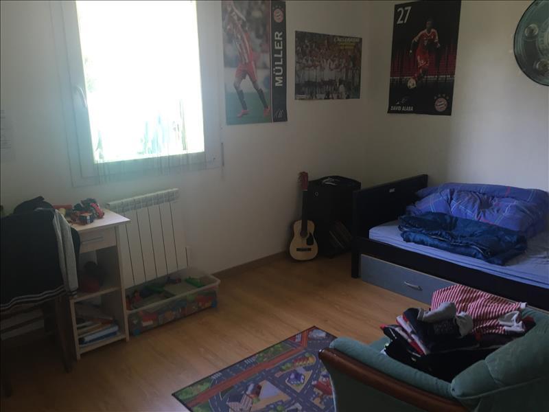 Maison COMMANA - 5 pièces  -   104 m²