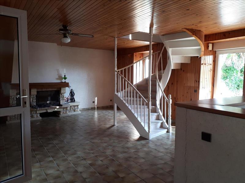 Vente Maison LOCQUENOLE (29670) - 4 pièces - 110 m² -