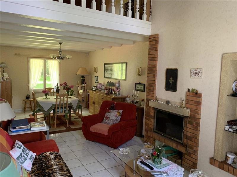 Vente Maison PLOUEZOC H (29252) - 5 pièces - 147 m² -