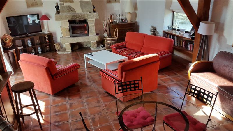 Maison PLOUGOURVEST - 8 pièces  -   264 m²