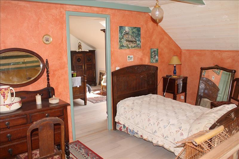 Maison PLOUVIEN - 3 pièces  -   70 m²