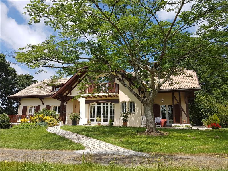 Vente Maison SOUSTONS (40140) - 10 pièces 296 m²