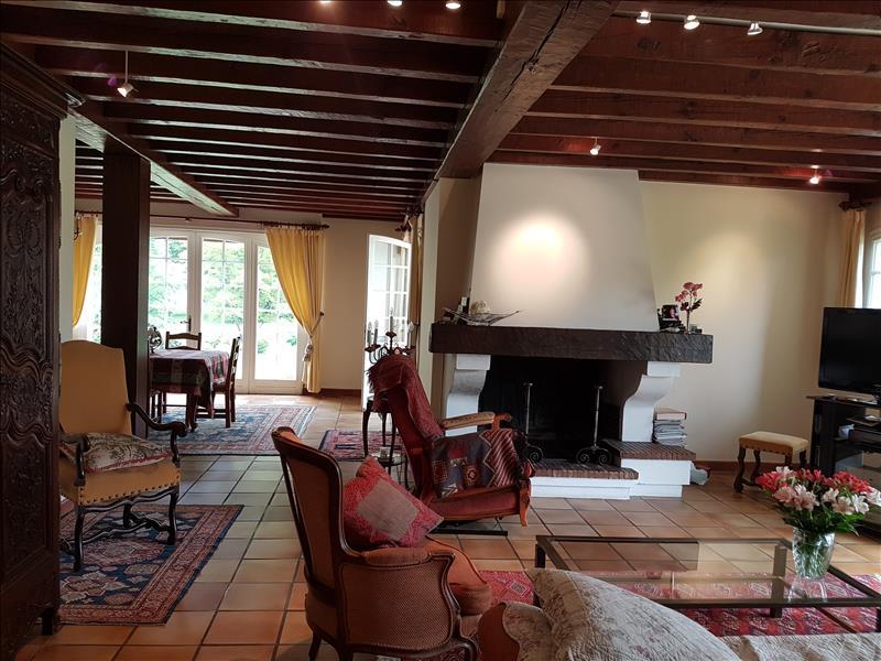 Maison SOUSTONS - 10 pièces  -   296 m²