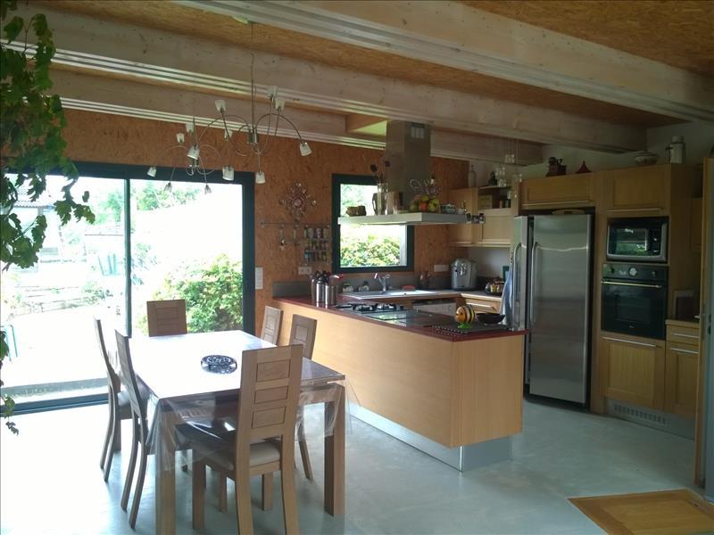 Maison SURGERES - 7 pièces  -   191 m²