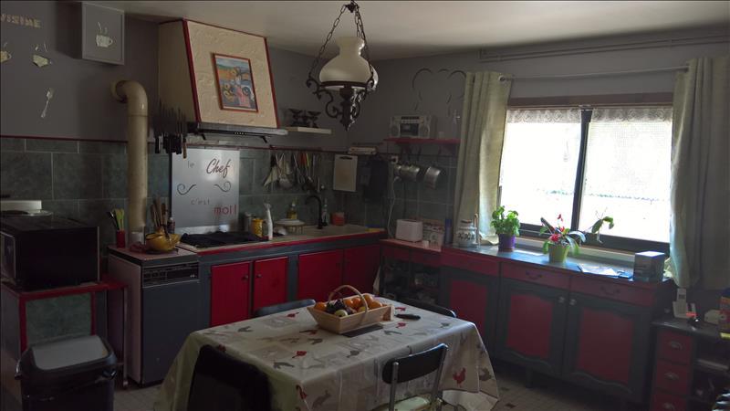 Maison AIGREFEUILLE D AUNIS - 6 pièces  -   220 m²