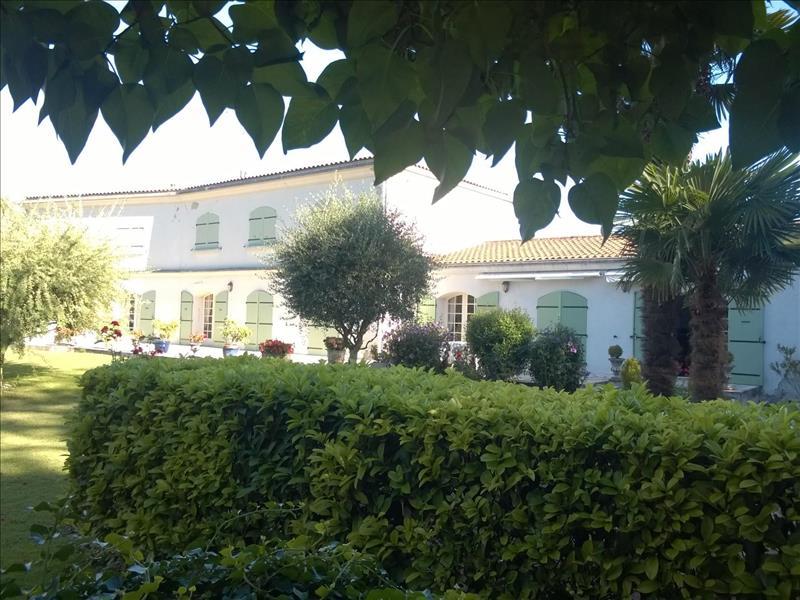 Vente Maison SURGERES (17700) - 10 pièces 310 m²