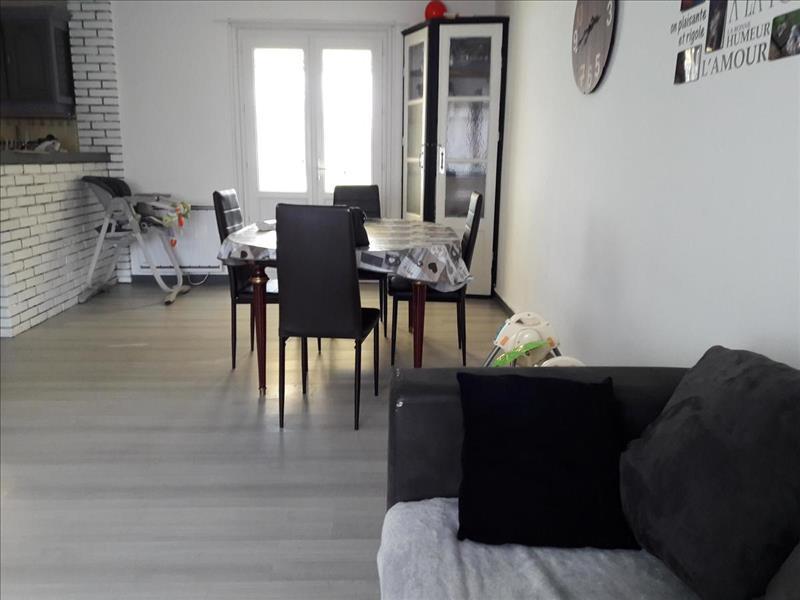 Vente Maison SURGERES (17700) - 6 pièces - 110 m² -