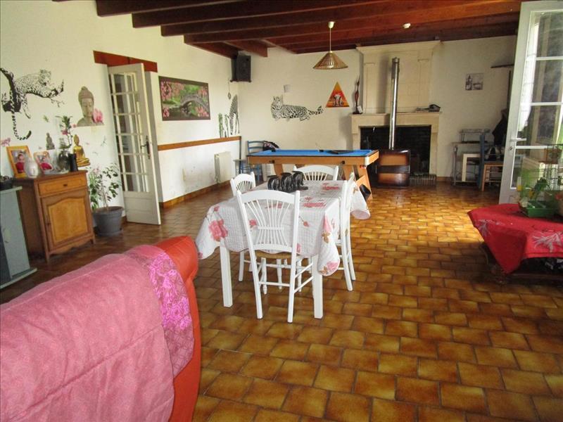 Vente Maison ST CREPIN (17380) - 7 pièces - 179 m² -