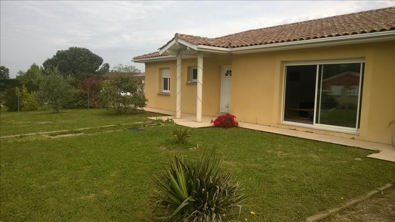Maison ST DENIS DE PILE - 4 pièces  -   106 m²