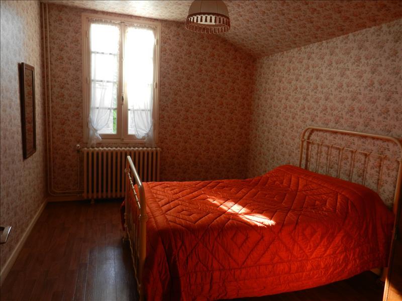 Maison PERGAIN TAILLAC - 7 pièces  -   134 m²
