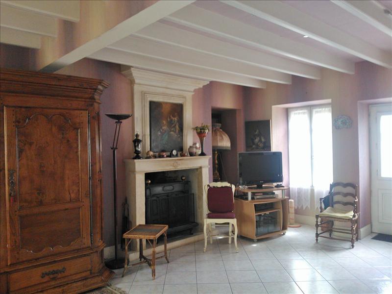 Maison CHATEAUNEUF SUR CHARENTE - 5 pièces  -   135 m²