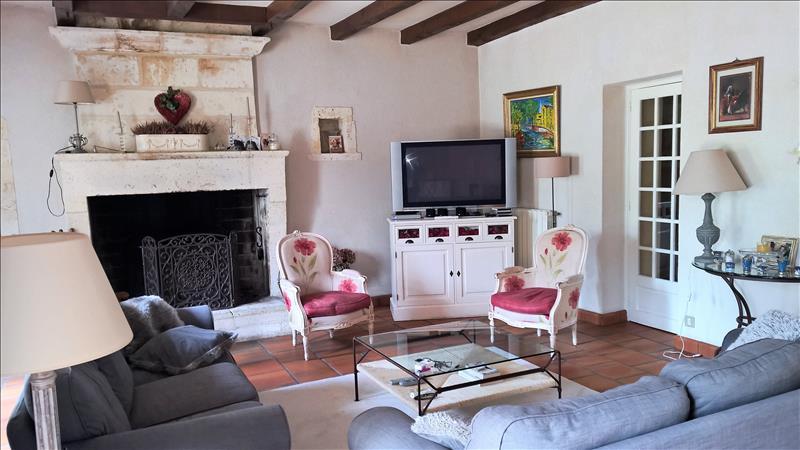 Maison MOUTHIERS SUR BOEME - 7 pièces  -   246 m²