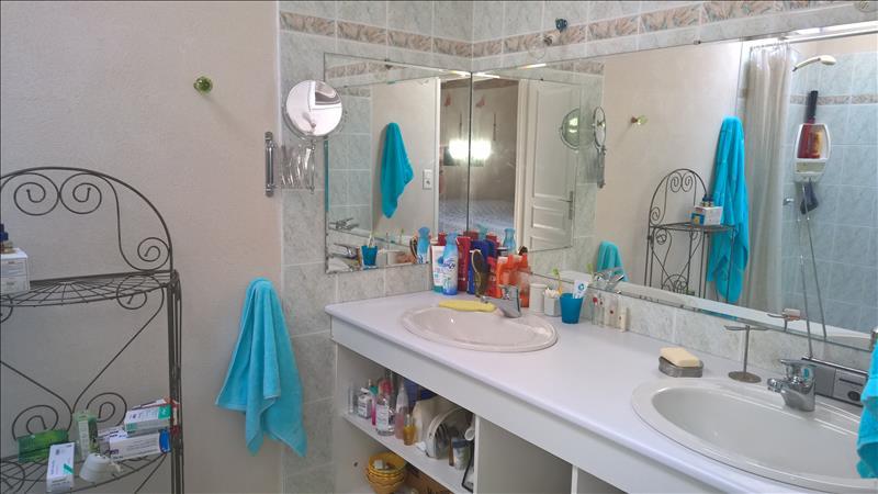 Maison VIBRAC - 10 pièces  -   272 m²