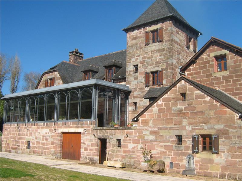 Maison ALLASSAC - 10 pièces  -   375 m²