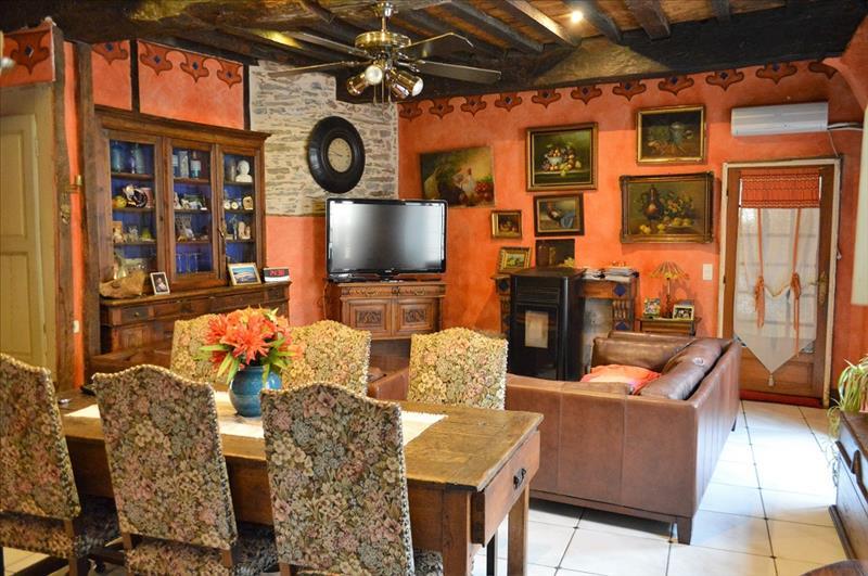 Maison ALLASSAC - 6 pièces  -   225 m²