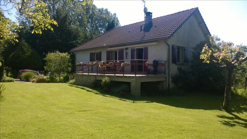 Maison JUILLAC - 4 pièces  -   95 m²