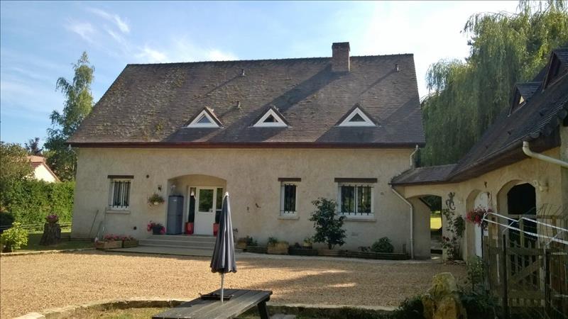 Maison EMANCE - 6 pièces  -   210 m²