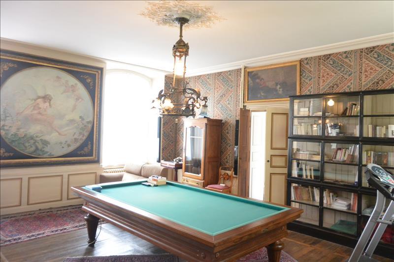Maison ISSOUDUN - 7 pièces  -   335 m²