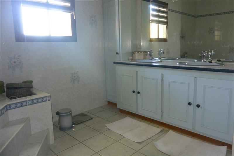 Maison ISSOUDUN - 5 pièces  -   145 m²