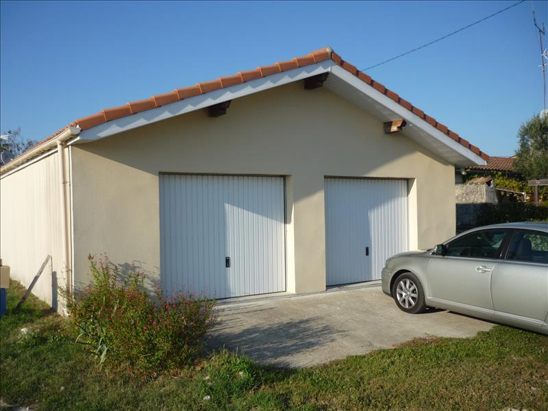 Maison CUSSAC FORT MEDOC - (33)