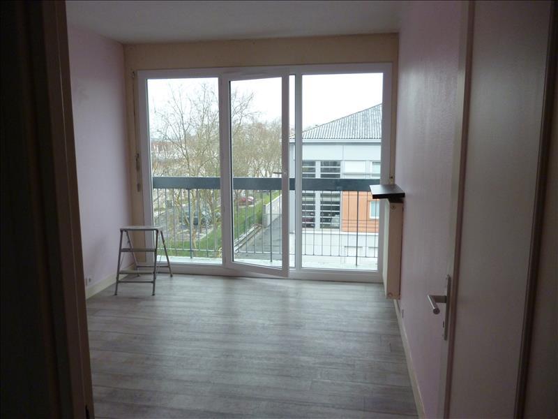 Appartement JOUE LES TOURS - 4 pièces  -   76 m²