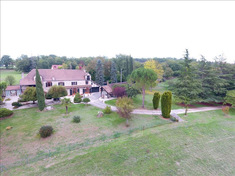 Vente Maison CAVAGNAC (46110) - 8 pièces 180 m²