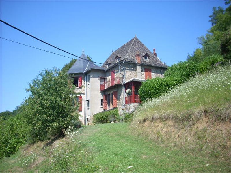 Maison ALTILLAC - 5 pièces  -   160 m²