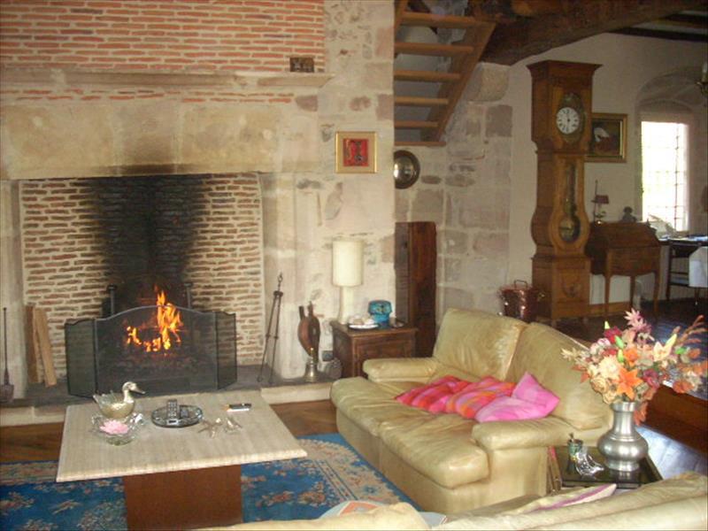Maison ALTILLAC - 14 pièces  -   400 m²