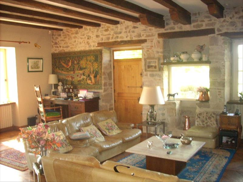 Maison ALTILLAC - 8 pièces  -   237 m²