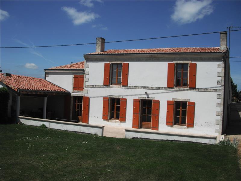 Maison LA FOYE MONJAULT - (79)