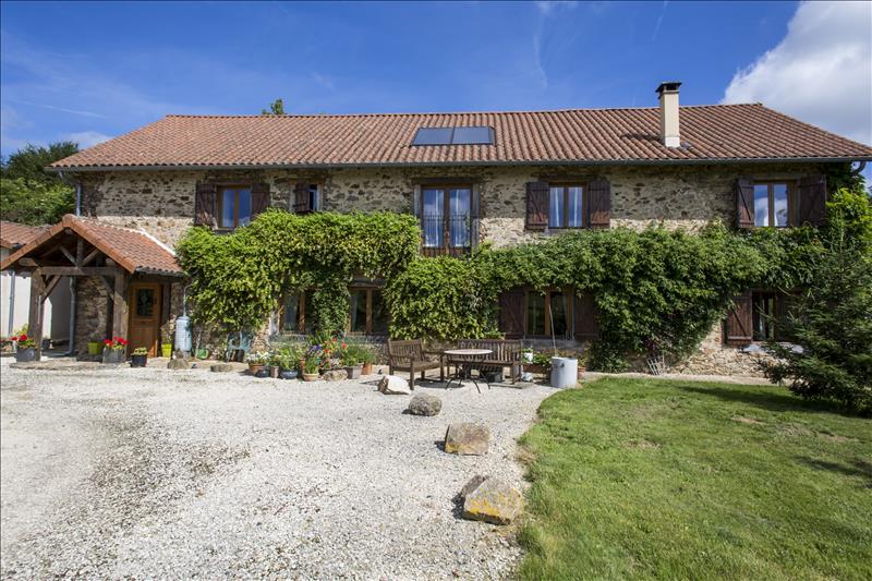 Maison CHAMPSAC - 7 pièces  -   252 m²