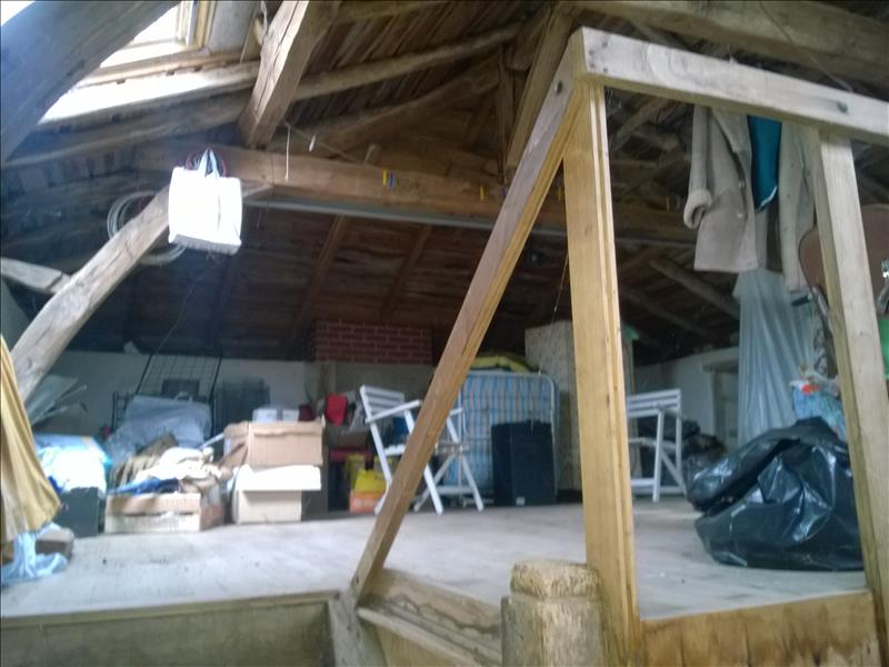 Maison CHALUS - 2 pièces  -   77 m²