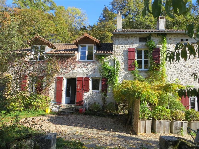 Vente Maison PENSOL (87440) - 18 pièces 270 m²