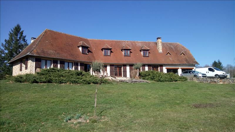 Vente Maison ST PRIEST LES FOUGERES (24450) - 7 pièces 380 m²
