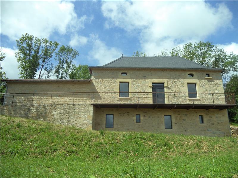 Maison CAMBURAT - 4 pièces  -   110 m²