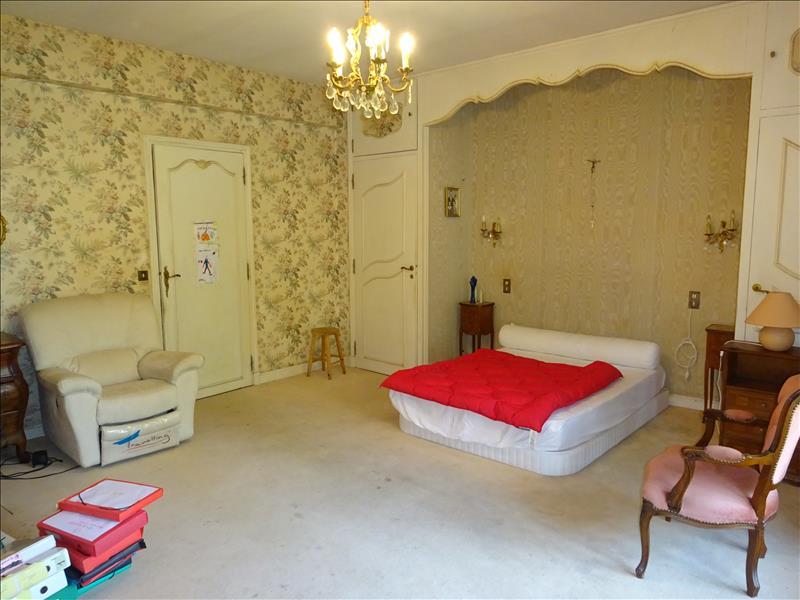 Maison GORSES - 7 pièces  -   330 m²
