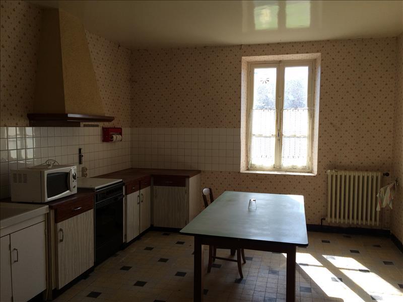 Maison CHENIERS - 7 pièces  -   145 m²