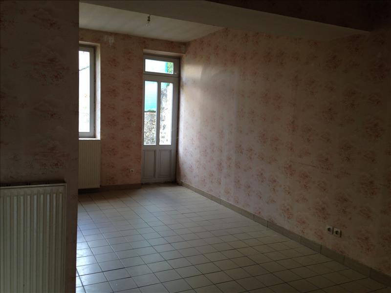 Maison CHENIERS - 6 pièces  -   154 m²
