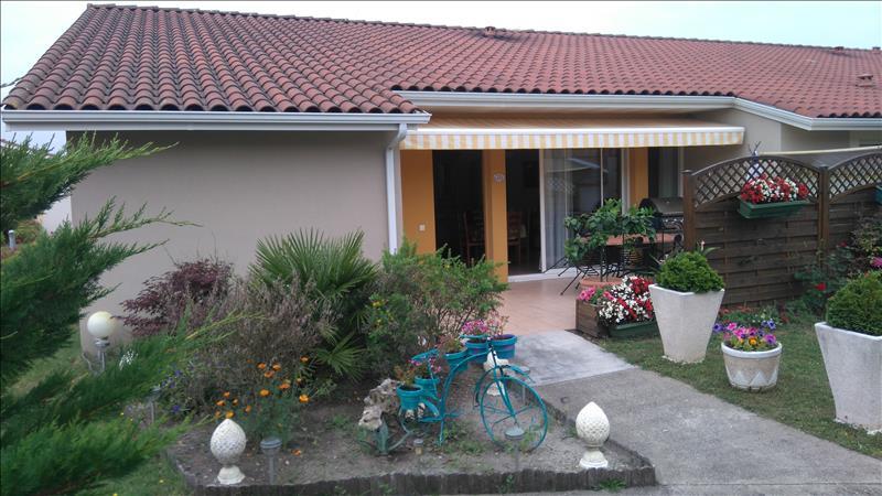 Maison HINX - 4 pièces  -   82 m²